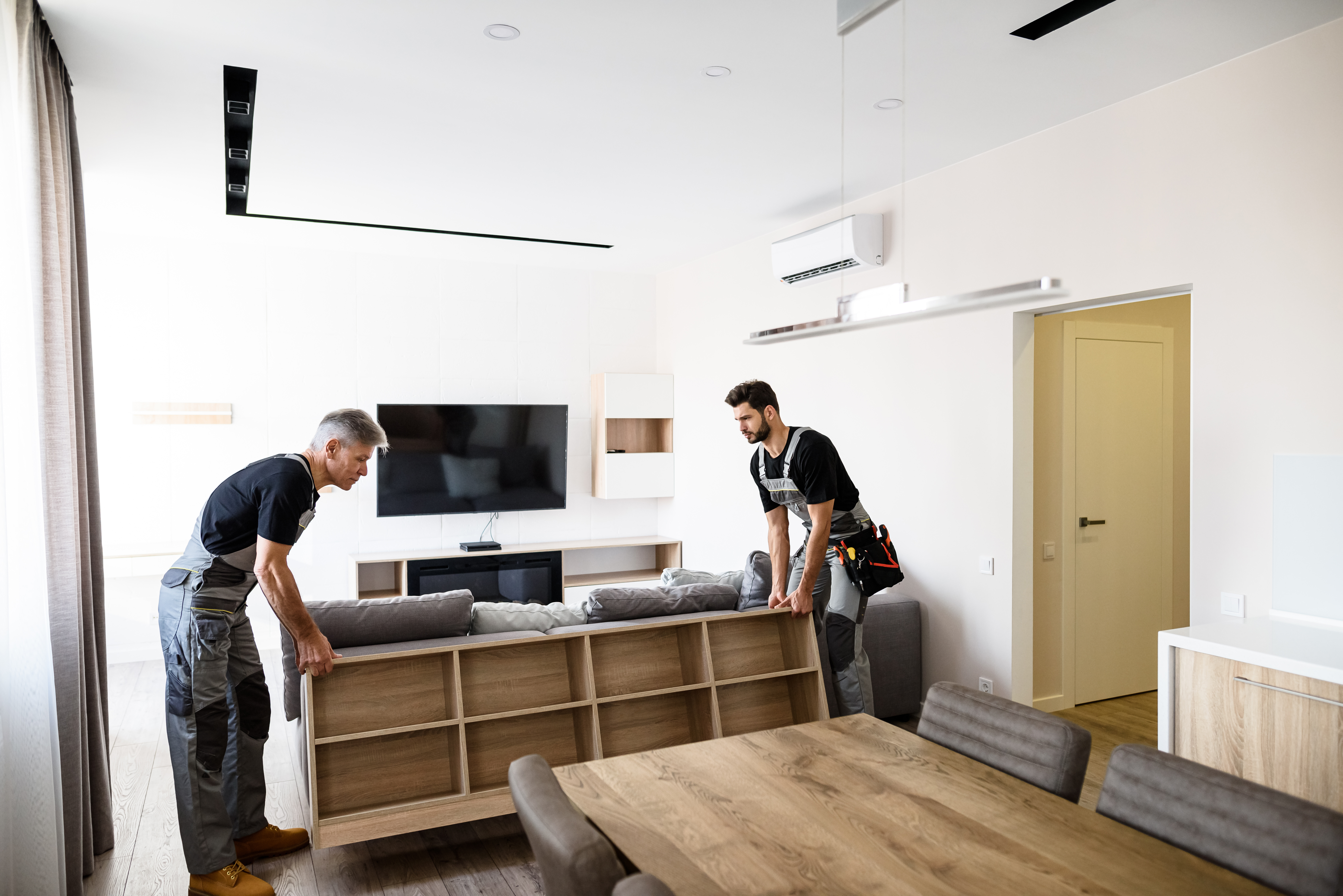 Local Moving With Professionals Vs. Do It Yourself: Which One To Choose?
