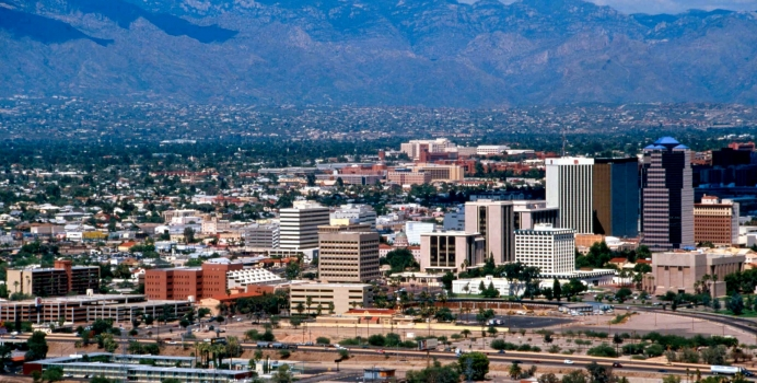 Benefits of Hiring Local Tucson Movers